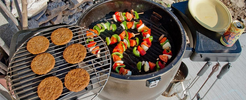 how to cook on a kamado grill
